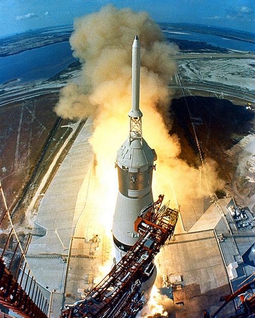 480px-Apollo_11_Launch2